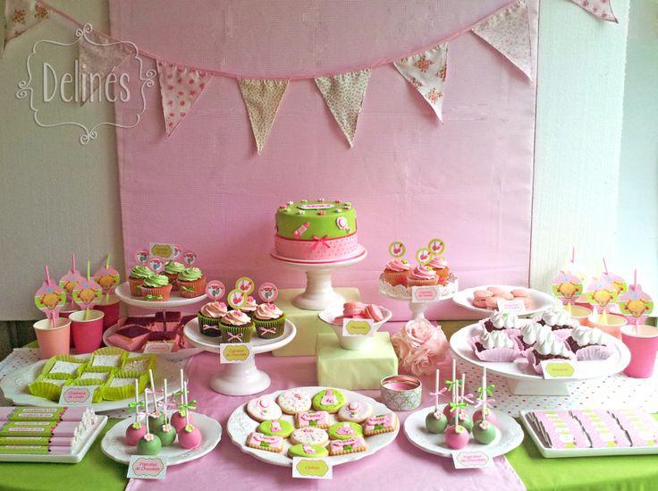Mesa dulce para un Spa y pijama party. Delicada y femenina, en rosas y verde con puntitos.