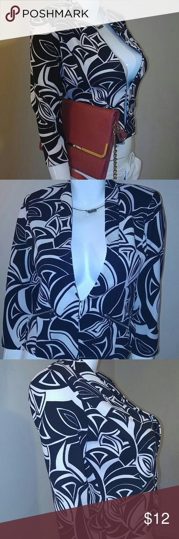 New super cute Blazer...never worn New , never worn but without tag...the print is full of life and ready to be worn with that fab bottom...needs a fab🏡 roz & ali Jackets & Coats Blazers