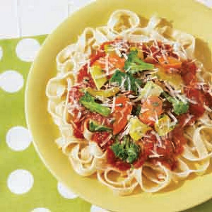 Easy Fettuccine Primavera Recipe Main Dishes with pasta sauce, vegetables, dri basil leaves, crush, fettuccine, cook and drain
