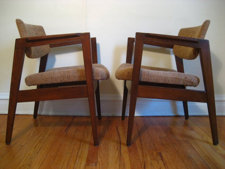 Gunlocke Chairs