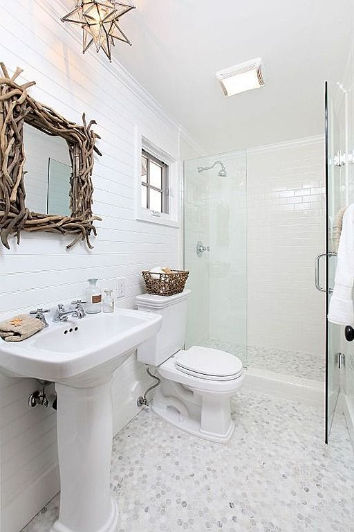 cottage style small bathroom