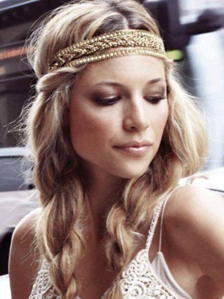 Le collier gold - Coiffure : 10 accessoires cheveux repérés sur Pinterest - Photos Mode - Be.com