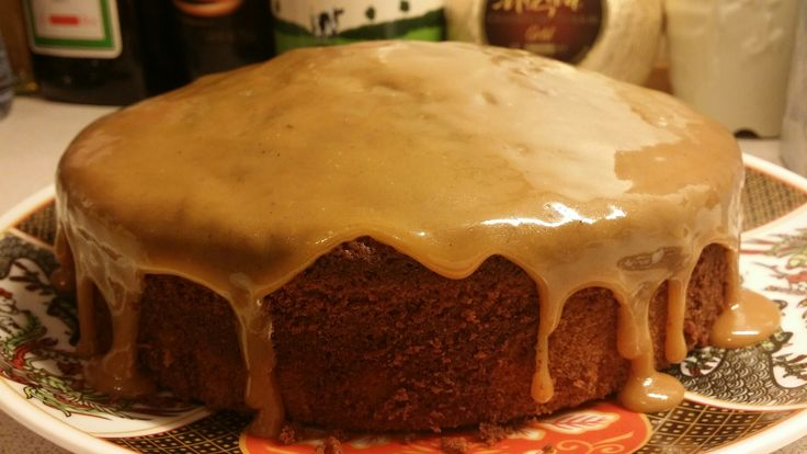 Lemon cake with toffee dressing. Refreshing citrus flavours from a light cake mixed with warm flavours from toffee, absolute treat