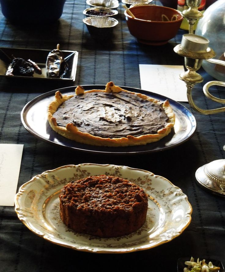 Chocolate pudding and chocolate tart~ 17th century  (A dark Paradise: Chocolate. Workshop focused on politicts and literature through historic recipes)