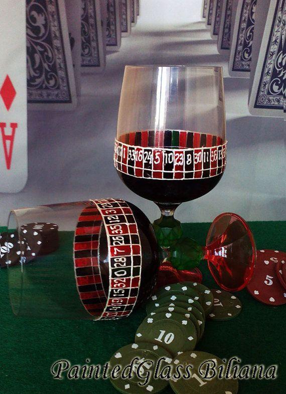 Vegas lot de 2 peint à la main verres à vin par PaintedGlassBiliana