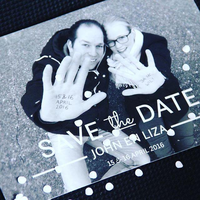 --------> Save the Date <----------- Voor het prachtige stel John & Liza mocht ik een Save the Date kaart maken! Een mooie strakke, moderne…