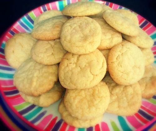 My sugar free cookie Recipe 79 calories 1 cookie.    1 3/4 c. flour (Find whole grain)  1/2 tsp. baking powder  3/4 c. (unsalted ff) butter  1 pkg. sugar free Jello (any flavor)  1 egg  1 tsp. vanilla Cream butter and Jello, mix in eggs and vanilla. Add Flour and baking powder. Roll out dough 1/2 inch think and cut in shapes. Bake 350 degrees for about 8 Minutes.  I used Sugar Free Pillsbury Frosting on the Top it added an extra 50 calories, but that's up to you!