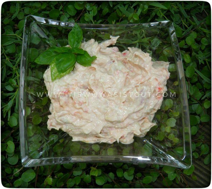 Dieser Thunfisch-Aufstrich ist in 1 Minute hergestellt und passt besonders gut zu frischem Baguette. Auch zum Party Buffet ist das ein toller Dip.