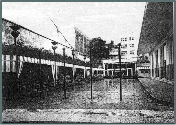 Plaza, cafeterias y el Cine Coruña, que se encontraban en la Plaza de la Galera.