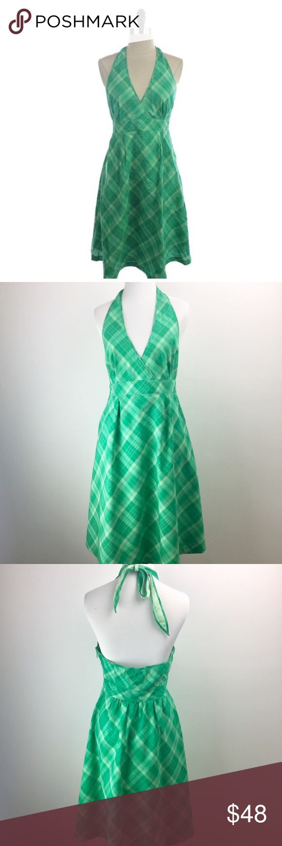 """🐳 Vineyards Vines Green Plaid Halter Dress Perfectly preppy-chic Vineyard Vines halter dress. Perfect for Spring and Summer! Pockets in the front! Ties at the back of neck. Hidden side zipper with a hook-eye closure. Lined. 100% cotton. Bright green plaid pattern. Skirt, from under bust to hem, is 24 1/2"""". In very good, pre-owned condition. ❌NO TRADES❌NO PAYPAL❌ Vineyard Vines Dresses"""