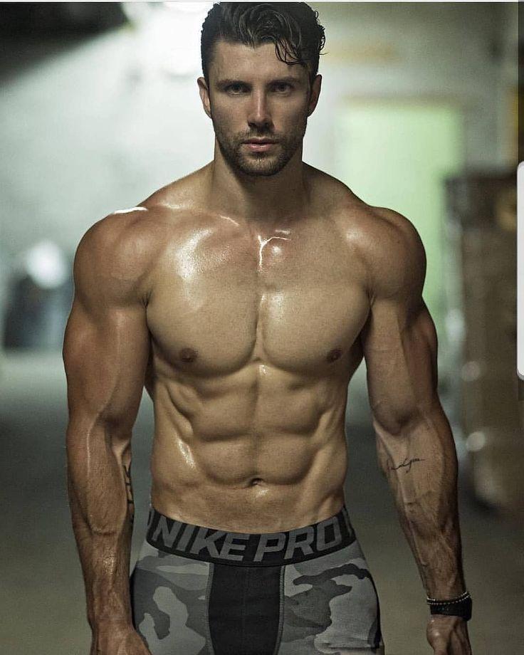 Roman Kurtsyn   VK (With images)   Muscular men, Muscle hunks