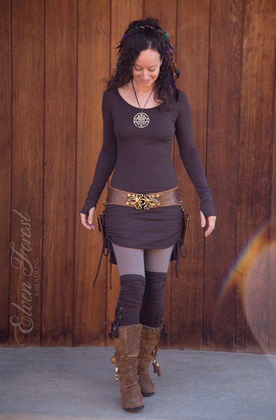 *¨❖¨**¨¨**¨❖¨**¨¨**¨❖¨**¨¨**¨❖¨**¨  Fitted, scrunch up sides, and cowl hood with strings, and kangaroo pocket. Length is very adjustable
