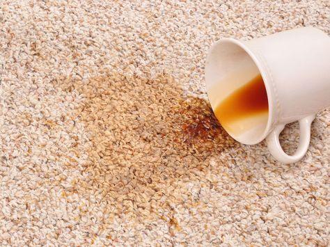 Moins populaire que le bicarbonate de soude, le percarbonate de sodium est LE produit magique qui vient à bout de toutes les taches sur les moquettes et...