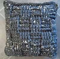 Gratis patronen XXL haken breien met textielgaren ,lintjesgaren, katoen en wol  Kussen gehaakt