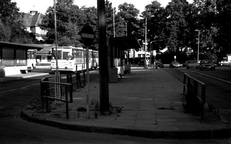 Anfang der 90er Jahre der Zentrale Busbahnhof #greifswald #busbahnhof #90er #history #zerfall #ddr #gdr