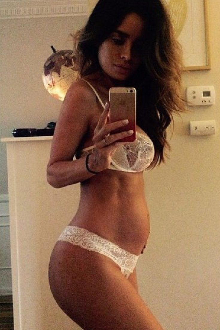 8 Months Pregnant With Abs: Pregnant Model Sarah Stage Causes Controversy On Instagram