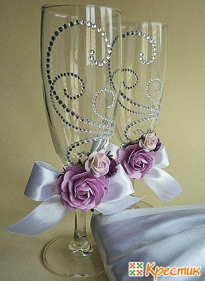 Украшение свадебных бокалов стразами