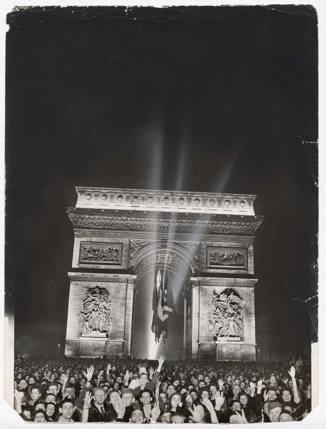 First celebration of Armistice Day in Paris after Liberation, November 11, 1944. Photo by Ralph Morse.