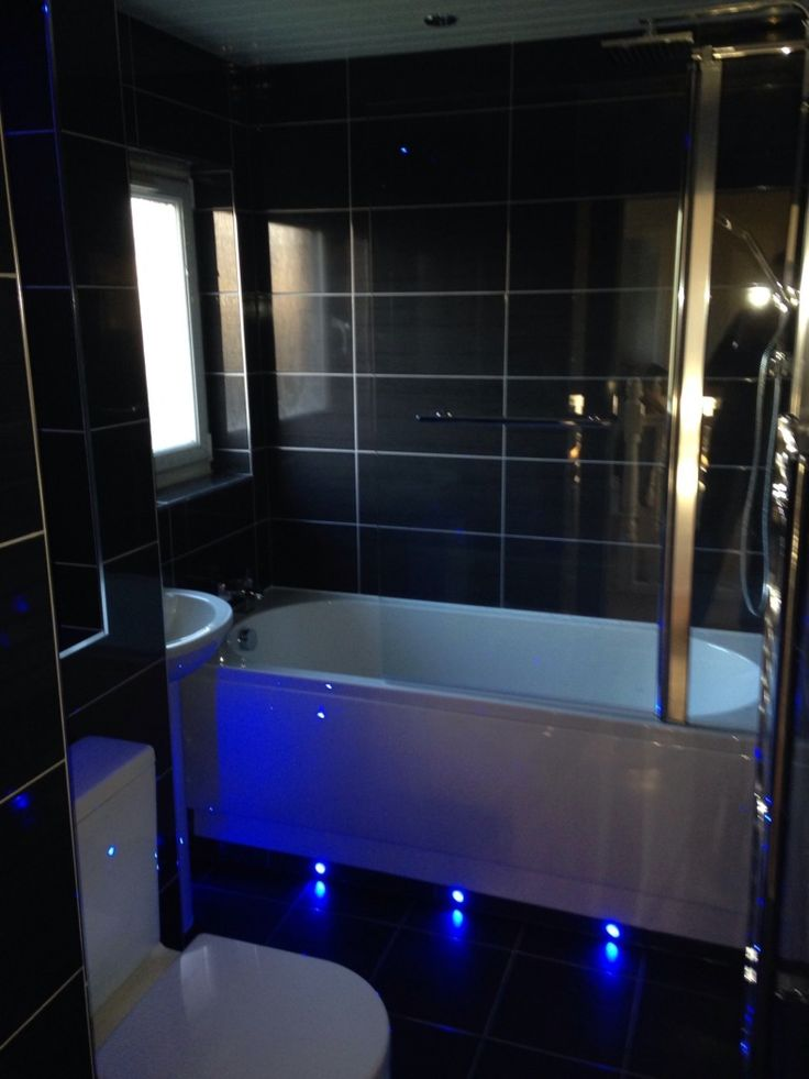 Vpshareyourstyle Roseanna From Glasgow Uses Dark Tiles And White Bathroom Furniture To Set A