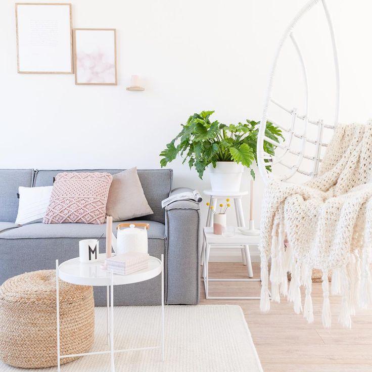 Comfortabele en betaalbare banken vinden is een moeilijke klus, daarom hebben wij een overzicht van zo'n 10.000 banken gemaakt waarbij je iedere bank op prijs, kleur, materiaal en merk kunt filteren. Kom gerust eens langs l Link in bio l  * * * * Credits: @ellefotografie * * * *  #interior #interiordesign #homestyling #inredning #interiors #interiorstyling #homesweethome #home #follow #mystyle #nordic #interiör #instahome #living #white #natural #scandinavian #blog #vintage #interieur…