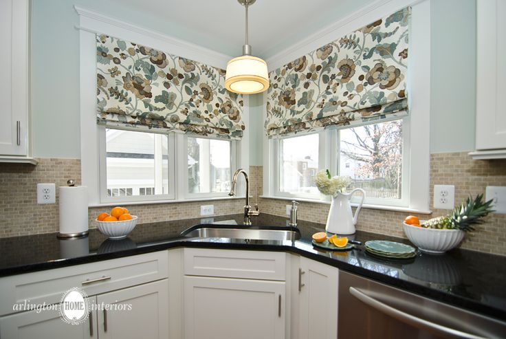 Kitchen with Roman Shades by Suzanne Manlove | Arlington Home Interiors