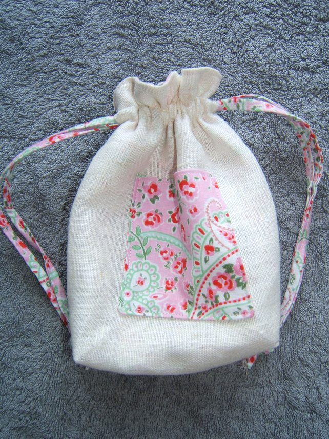 Beautiful linen drawstring bag with paisley liningfor Toiletries, Make up and Everything else £6...String of Hearts