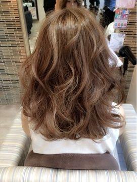 色落ちした髪色のオンカラー(before⇒after) - 24時間いつでもWEB予約OK!ヘアスタイル10万点以上掲載!お気に入りの髪型、人気のヘアスタイルを探すならKirei Style[キレイスタイル]で。