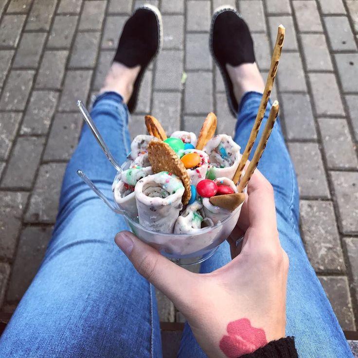 Внимание! Пост оплачен! Ссылка в сторис и ниже В парке открылась палатка с вкусным мороженым. Смотрите сториз #продалась #продажныйблогер #скидказапост #fast_fruits_msk #омномноммороженка #