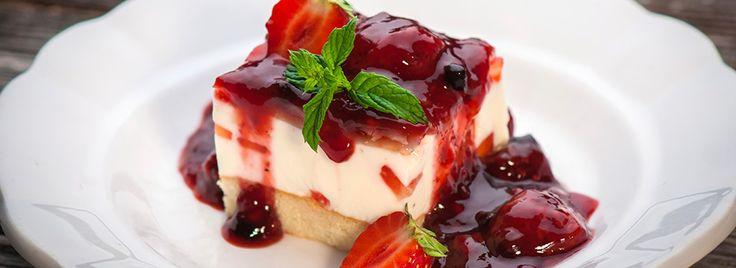 Pochi passi per imparare a fare uno dei dolci americani più diffusi: la Cheesecake senza cottura. Un dolce facile, fresco, saporito e amato da tutti!