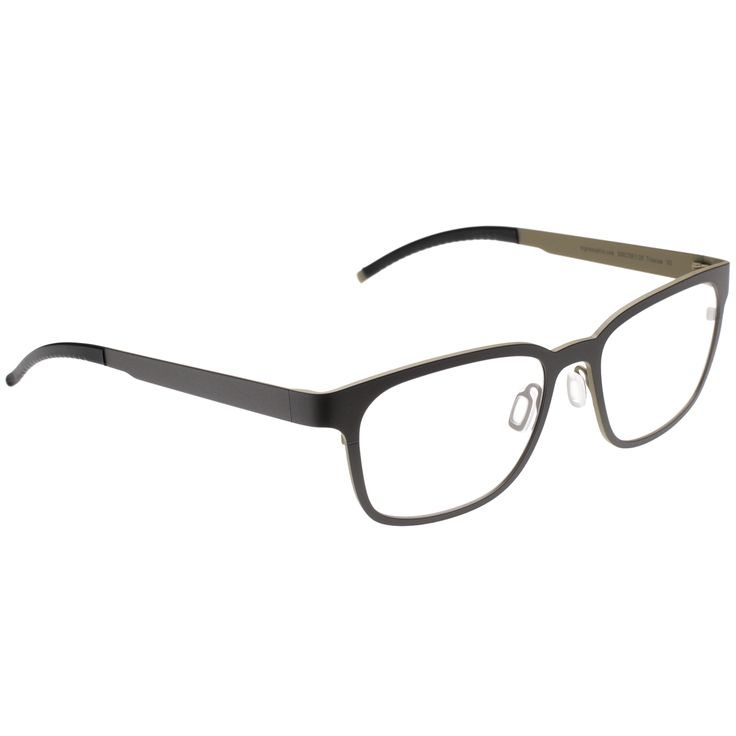 Just like a film director's preferred version of a movie, our DIRECTOR'S CUT represents our favourite edition of a style without compromise. A masculine, retro-inspired frame from the 60's with bold outlines, boasting an arched bridge and a slightly rounded square shape. New modernism for men who mix business with pleasure in their passionate, unrelenting pursuit of happiness.