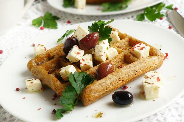 Классика мировой кулинарии и немного домашней стряпни - Фета с оливками на хлебцах с отрубями