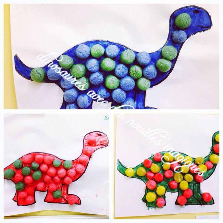 par mes petits de 4-5 ans... Dinosaures avec des nouilles magiques. :) / playmais / Emmy