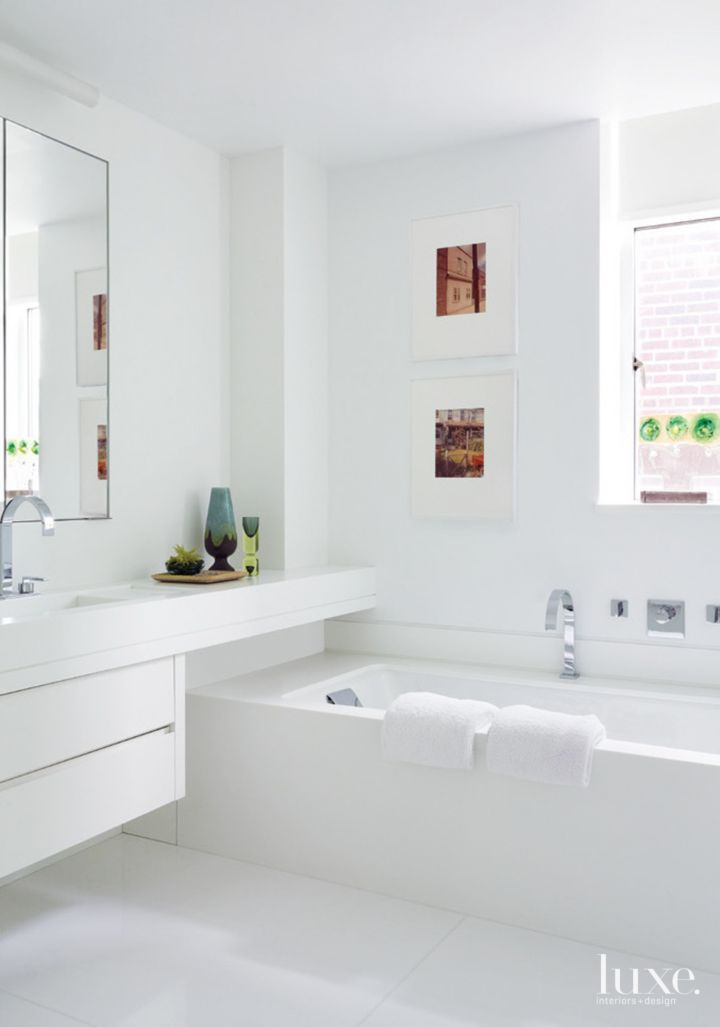 Best 25 modern white bathroom ideas on pinterest for Modern white bathroom