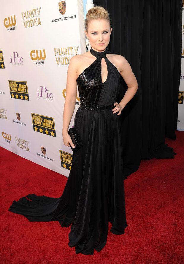 Kristen Bel num lindo vestido longo Pamella Roland Outono 2012  - Looks no tapete vermelho do Critics' Choice Movie Awards 2014 | http://modaefeminices.com.br/2014/01/18/looks-no-tapete-vermelho-do-critics-choice-movie-awards-2014/