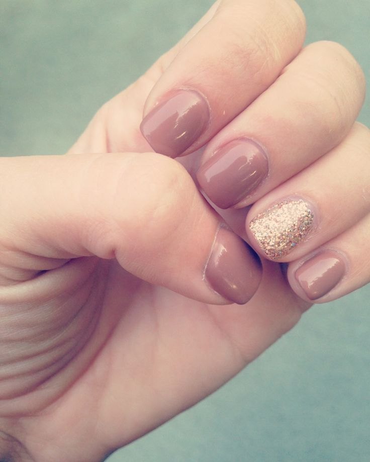 Tipsy Toes | Our Failed Adulthood | t20 nails & spa, full set, gel nails, mani, manicure, fill, glitter nails, gold glitter