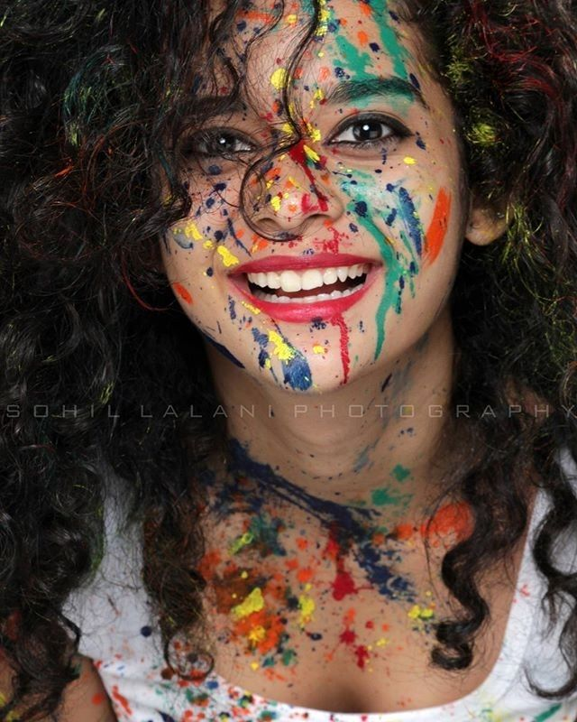 Happy Holi everyone! Have an absolutely colourful and wonderful year  Let us all take the effort to save water today and everyday in the hope that those who face the dearth of it receive it in abundance. #polishgirl #youtuber #justme #actress #model #girlnextdoor #MithilaPalkar #f4f #l4l #expressions #mithilapalkarfc #curlyhair #colors #holi #festivalofcolors #festival #indianfestival