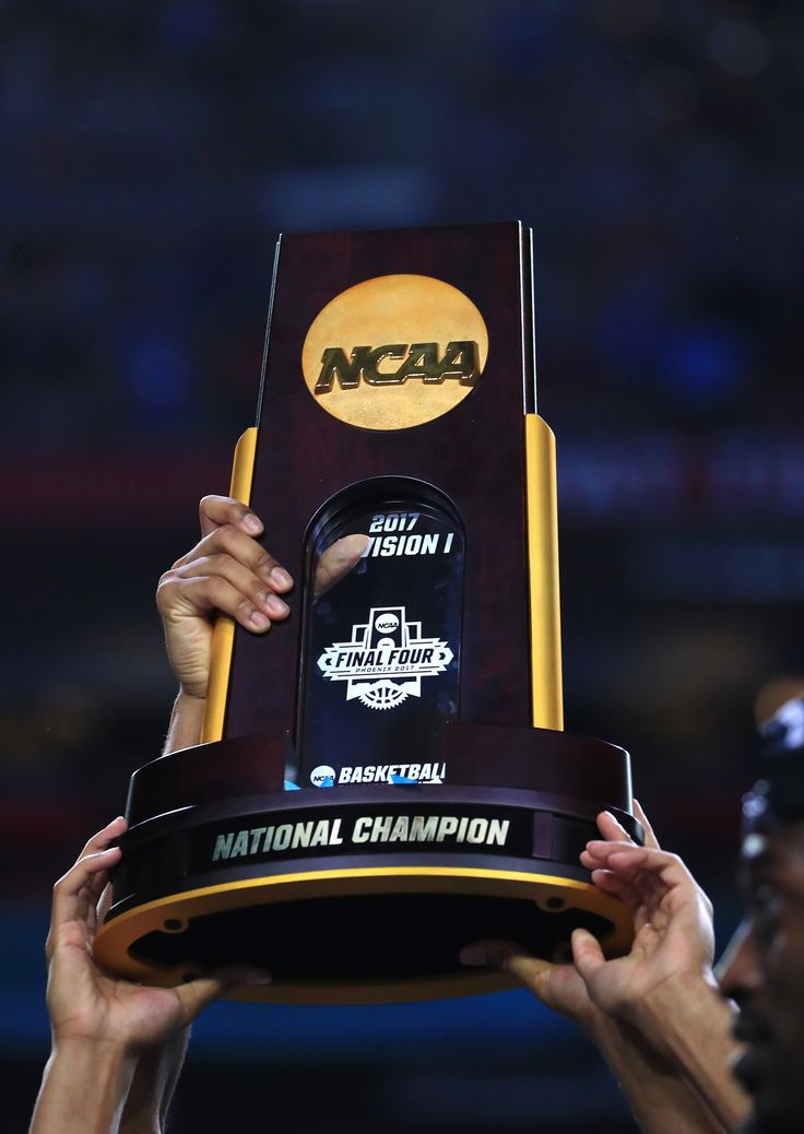 GLENDALE, AZ - APRIL 03: The North Carolina Tar Heels hold the championship trophy after defeating the Gonzaga Bulldogs during the 2017 NCAA Men's Final Four National Championship game at University of Phoenix Stadium on April 3, 2017 in Glendale, Arizona. The Tar Heels defeated the Bulldogs 71-65. (Photo by Ronald Martinez/Getty Images) via @AOL_Lifestyle Read more…