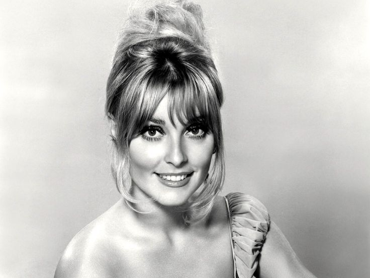 Sharon Tate (1943-1969) Tate is best known for her appearances in Valley of the Dolls. Tate is also famous as one of Charles Manson's victims. She, along with friends, Jay Sebring, Abigail Folger, and Wojciech Frykowski, were murdered on 8/8/69. Tate was married to Roman Polanski and was over 8 months pregnant at the time of her murder.