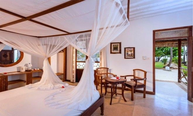 The perfect honeymoon destination. Superior rooms are beautifully furnished with local Swahili and Arabic furniture.