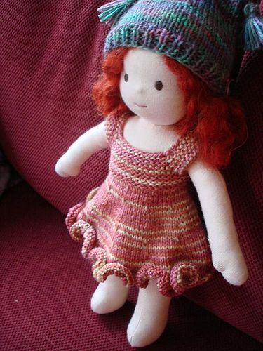 More Waldorf-style Doll Info & ResourcesWaldorf Styl Dolls, Dolls Pattern, Waldorfstyl Dolls, Waldorf Dolls, Dresses, Rag Dolls, Info Resources, Dolls Info, Non Matching Hats