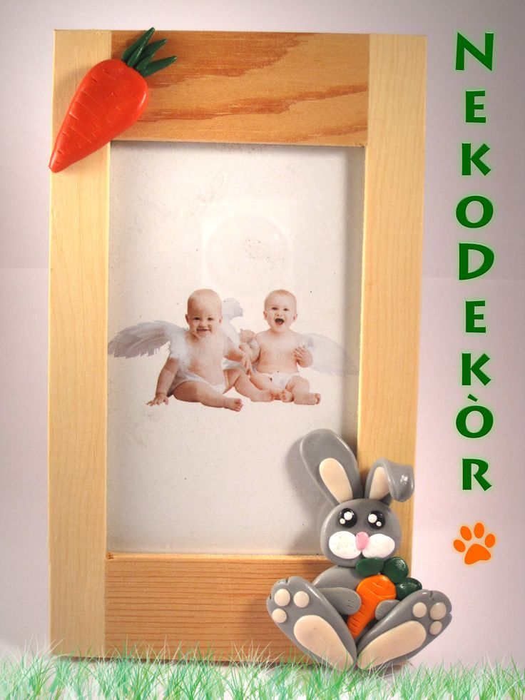 Size: Width 10 cm / Height 17 cm  Natural wood frame with fimo handmade decorations.