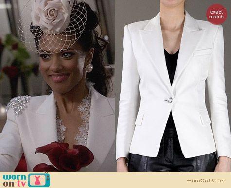 Larissa's white wedding blazer on The Carrie Diaries (altered). Outfit Details: http://wornontv.net/26798 #TheCarrieDiaries #fashion