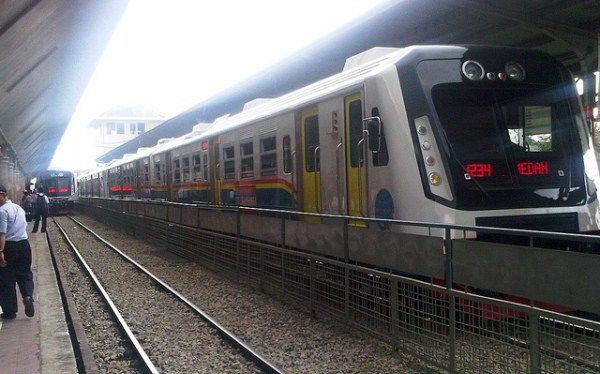 Kereta api Jepang nih. Nyatanya, ini adalah Stasiun Kereta Api Medan.