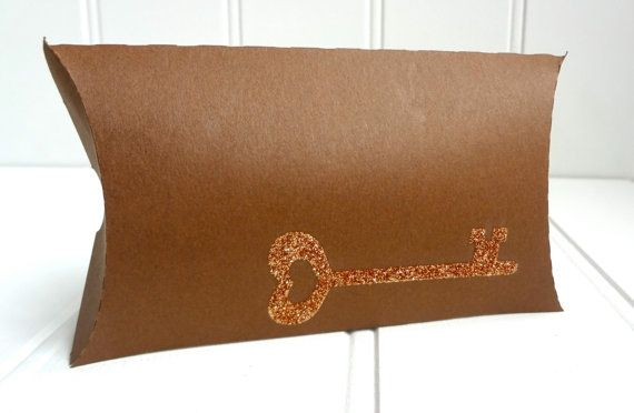 50 Lock and Key Pillow Favor Boxes / Wedding by ThePaperBazaar, $87.21