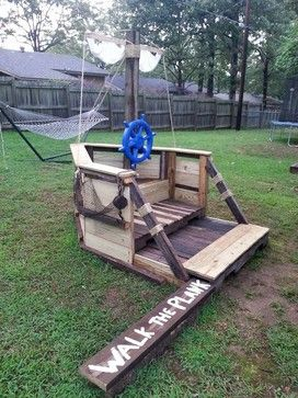 how to build a pirate ship out of pallets