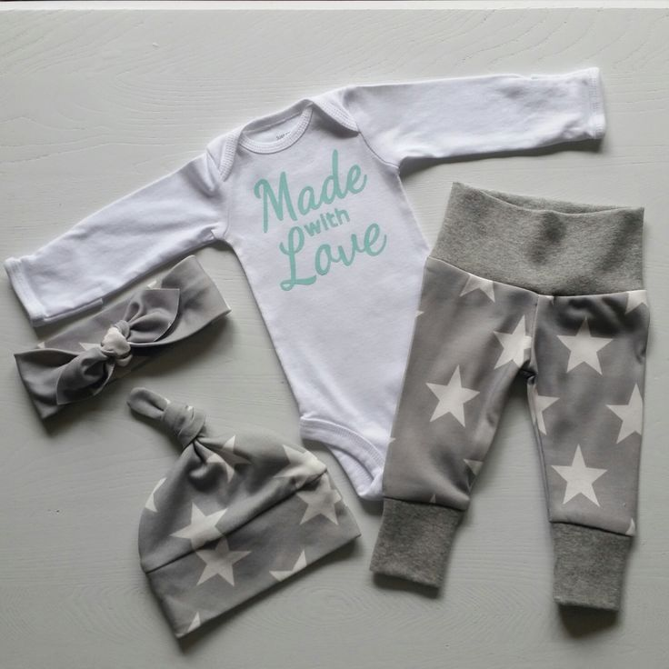 Neutral Bring Home Outfit. Made with Love. Stars. Arrow. Leggings Top Knot Hat & Headband. Gender Neutral Take Home Baby Outfit. Coming Home by mainegirlcreations on Etsy https://www.etsy.com/listing/385362464/neutral-bring-home-outfit-made-with-love