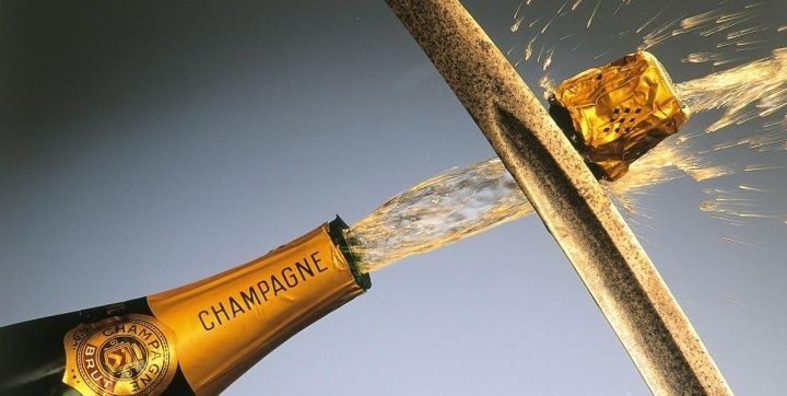 Essentially, you need champagne sword or champagne sabre to execute sabrage nicely. You need to identify the temperature and angle of champagne bottle and locate its seam. If you are anxious about performing sabrage for the first time, view this presentation. #sabrage #saberingchampagne #champagnesabre #champagnesword