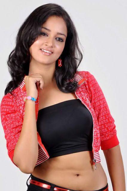 Actress-shanvi-latest-hot-navel-show-photos-3.jpg (425×640)