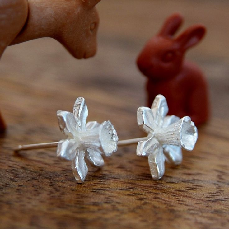 Daffodil Flower Stud Earrings, Sterling Silver Handmade Jewellery, Spring Flower, Welsh Gift, Daffodil Jewelry, Narcissus, Flower Girl by RockRoseJewellery on Etsy https://www.etsy.com/listing/30444309/daffodil-flower-stud-earrings-sterling