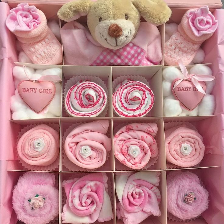 Our unique cupcake gift sets are so cute and the perfect gift for a little baby girl. These cupcakes can also be a wonderful centre piece at a baby shower. Contents:  x1 Large pink or white keepsake gift box x1 Handmade wooden plaque in pink or purple - Plaque reads: We made a wish, And you came true.